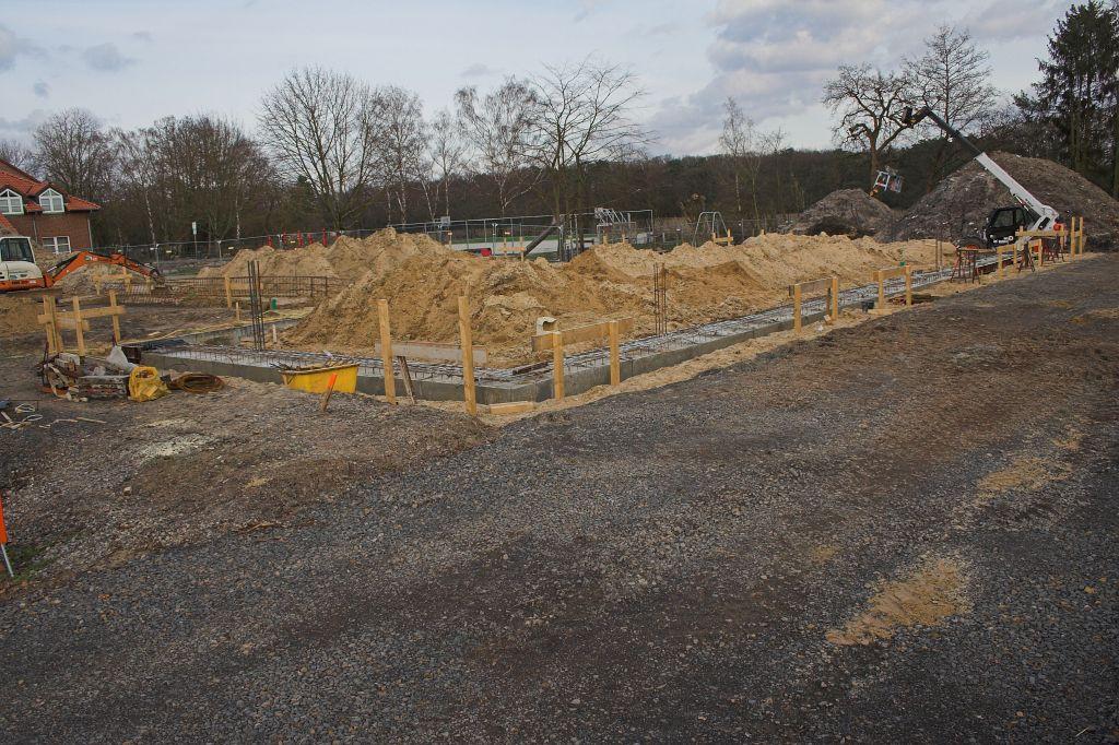 Das Foto zeigt das zukünftige Dienstgebäude. Hier wurde das Fundament bereits fertiggestellt.