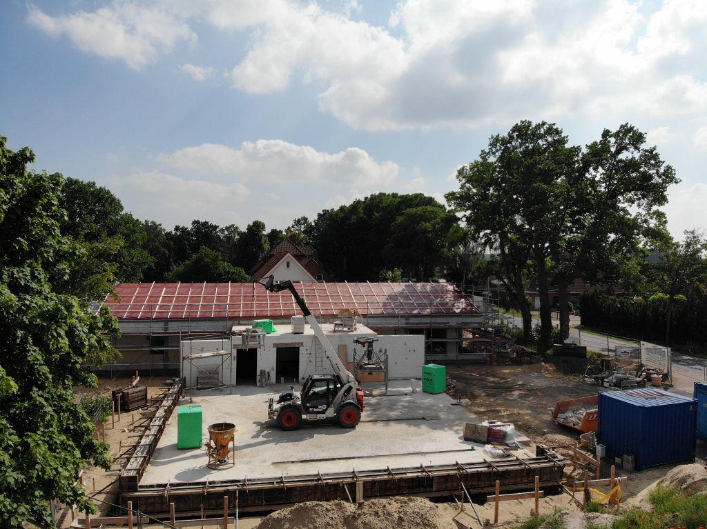 Diese Aufnahme zeigt die zukünftige Fahrzeughalle des neuen Feuerwehrgerätehauses in Otternhagen.