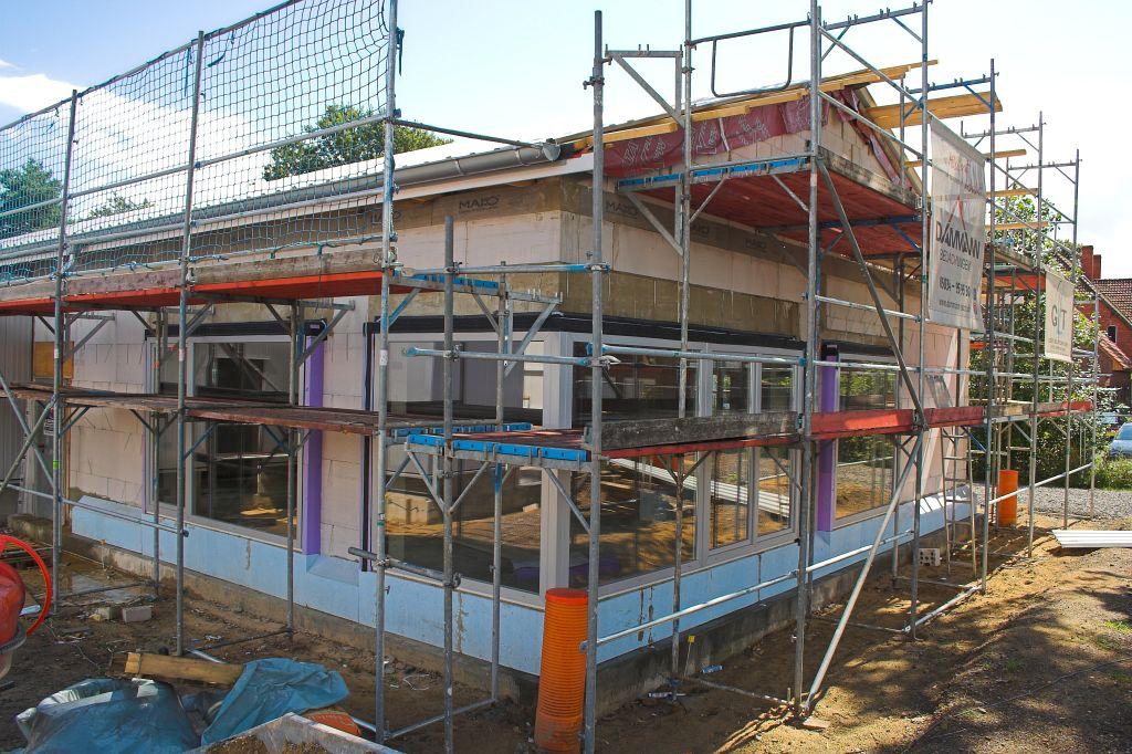 Der Schulungsraum im Dienstgebäude hat große Fensterflächen bekommen.