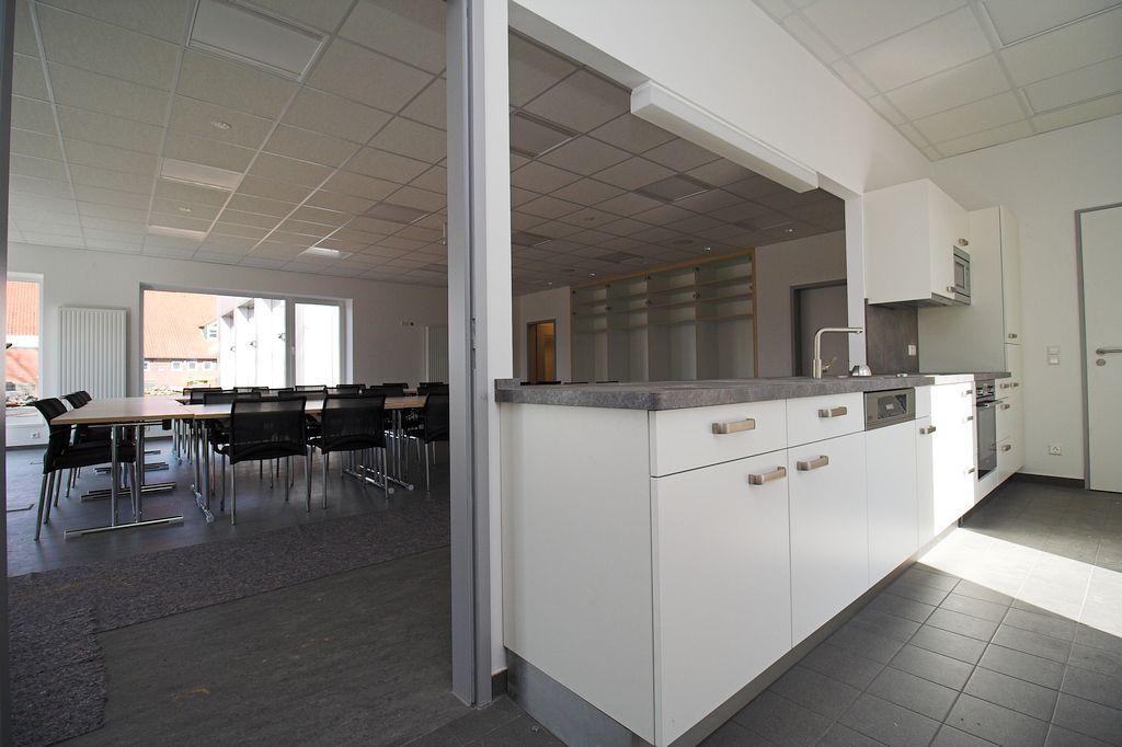 Auch die Küche wurde bereits aufgebaut.